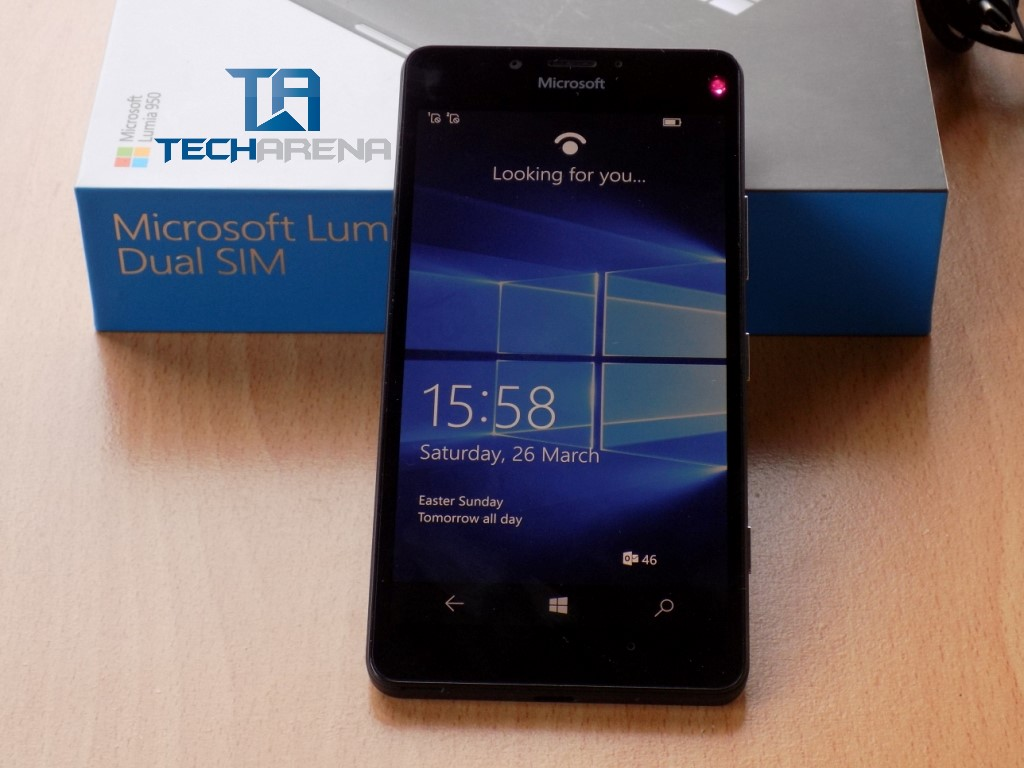 Lumia 950 out of the box