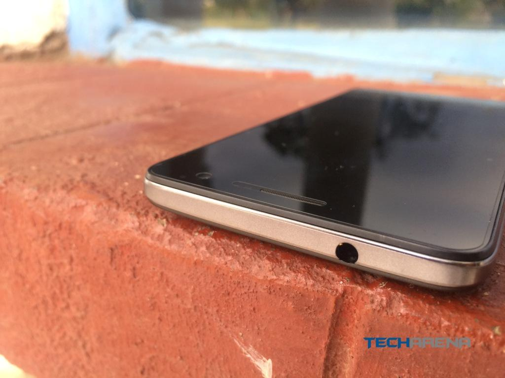 Tecno W4 headphone jack