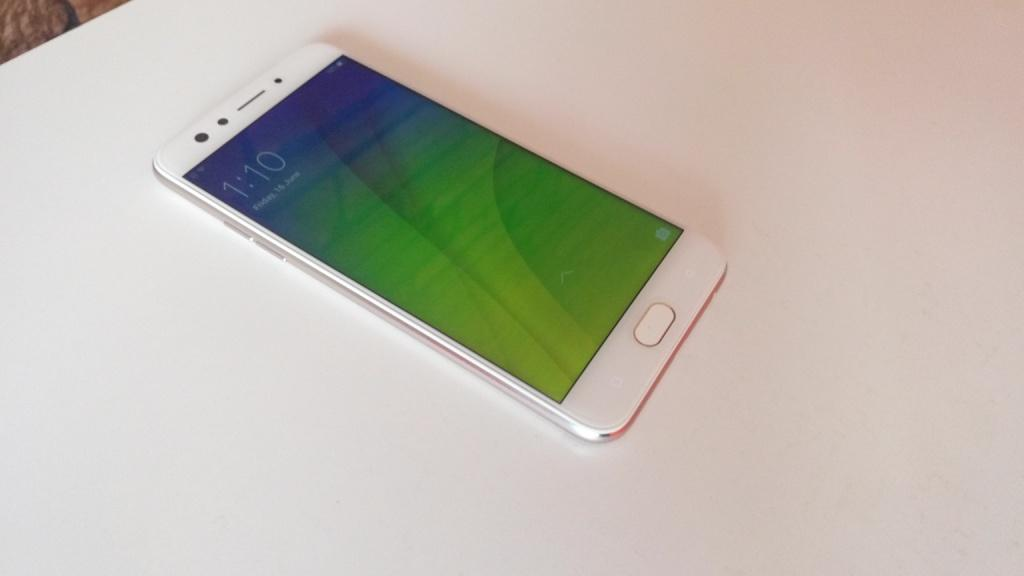 OPPO F3 display