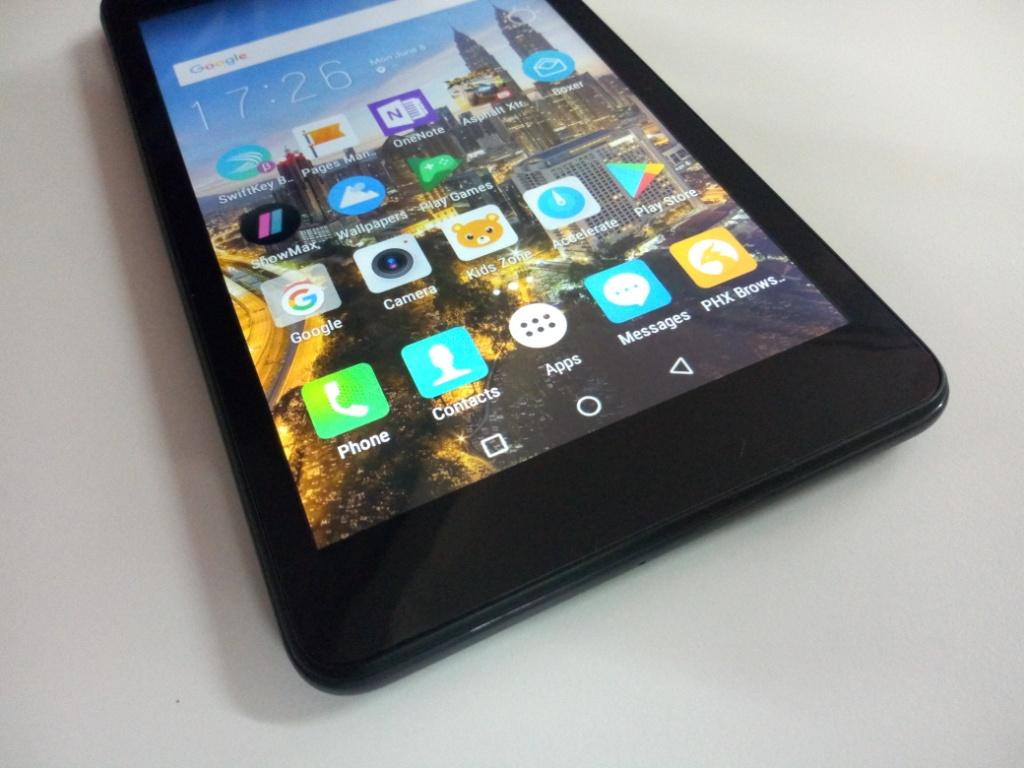 Tecno Droipad 7D display